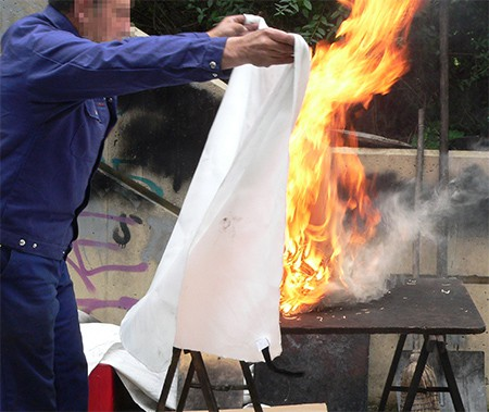 use of fire blanket